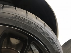 タイヤ交換 (1)